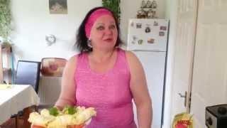 Крабовый салат с китайской капустой и крабовые рулетики