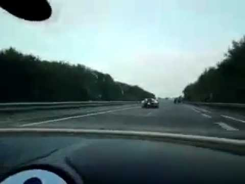 bugatti veyron w16 1001hp top speed on autobahn - youtube