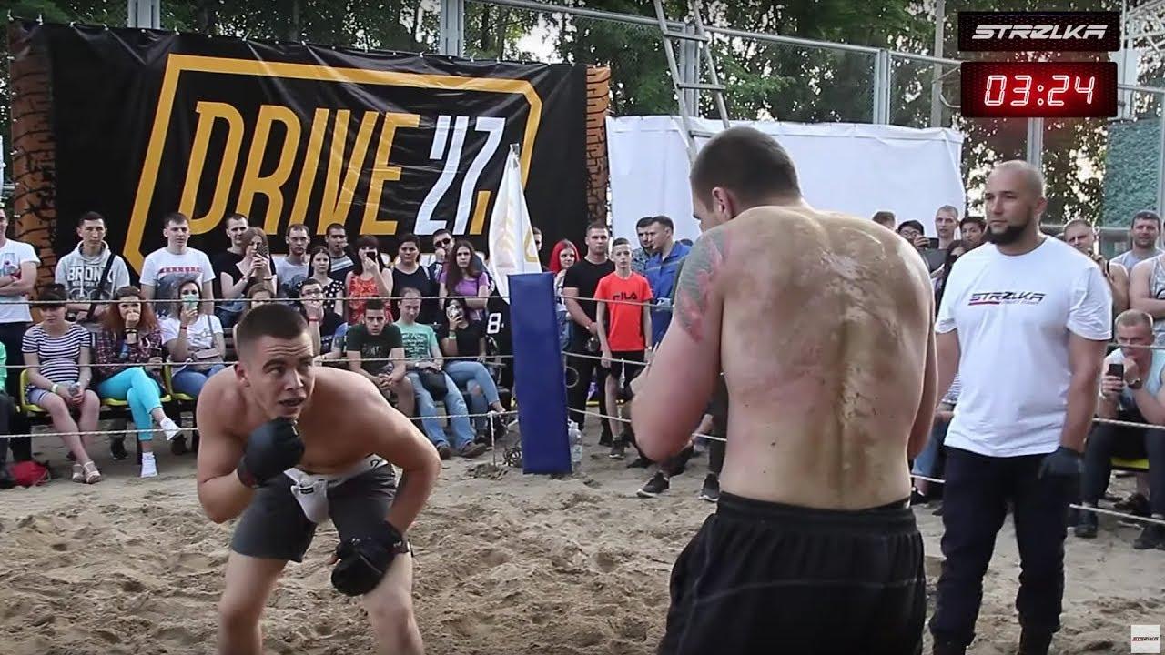 КРЮК Боксера против Бойца Без Правил !!! Крутой Бой!!!