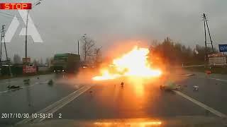 Авто аварии жесть 18 , ТОП самых страшных ДТП 2018  VIDEOMEG RU
