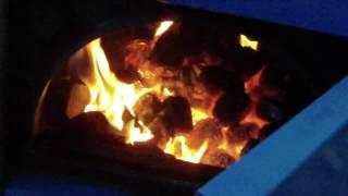 skuska splynovacieho kotla atmos(prve zakurenie v splynovacom kotly. maximalny vykon kotla je 35kw - avsak podla vyhrevnosti spalovaneho paliva. my sme pouzili tvrde 30 rocne drevo, a to bol ..., 2012-10-05T19:17:26.000Z)