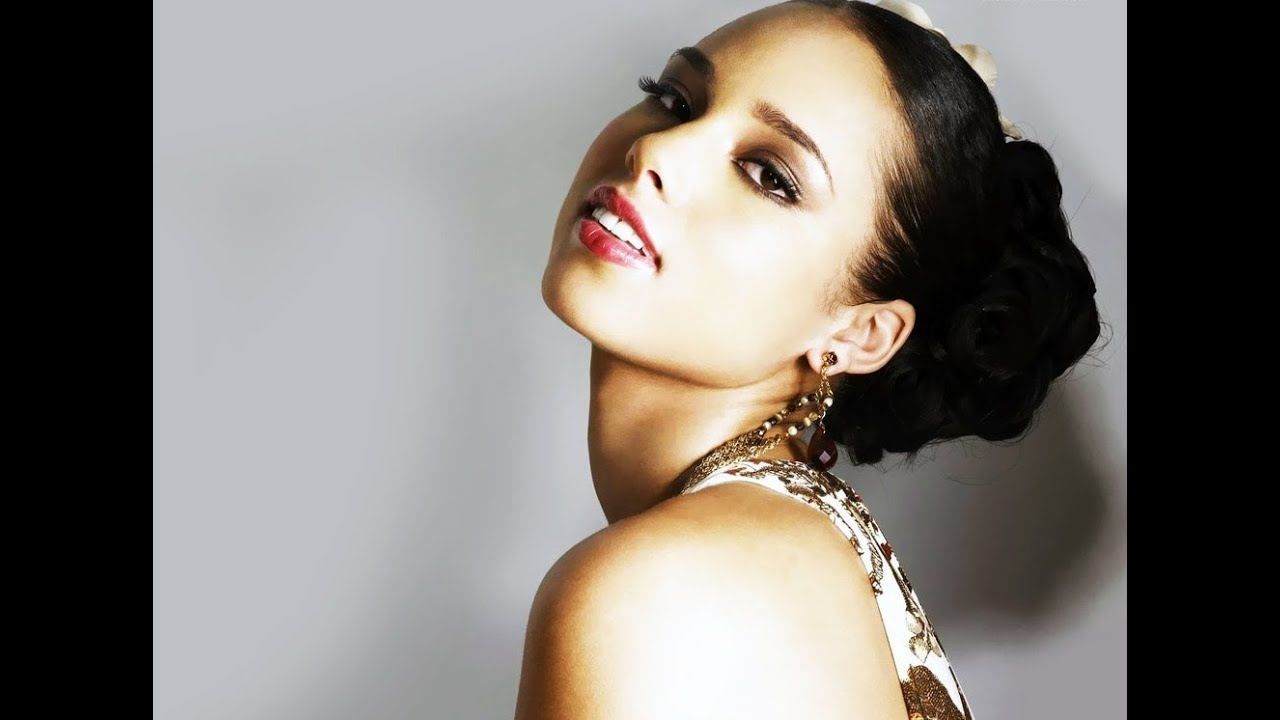 Alicia Keys - A Woman's Worth (Official Music Video ...