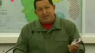 Hugo Chávez presenta su móvil: Vergatario