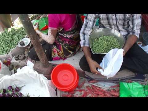 Fresh Chickpea vendor, Dudhia Talav, Navsari, Gujarat, India; 12th January 2012