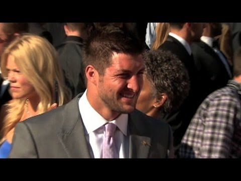 Tim Tebow Jets, Girlfriend Call it Quits?  Is Quarterback Looking for a Move Out of New York?