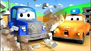 Carl el Super Camión y el Camión Policía en Auto City  HALLOWEEN para niños