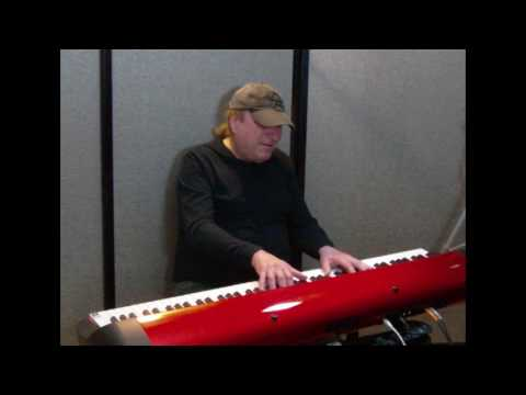 "Learn to play ""Love Is Blue"" (Paul Mauriat) on piano!"