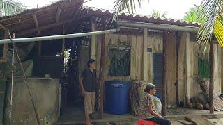 2 chị em bạo bệnh sống tằn tiện với khoản tiền 200 ngàn mỗi tháng từ việc chuốt cọng dừa