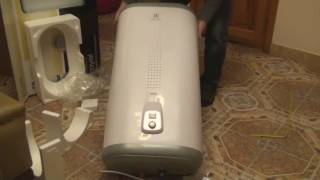 видео Водонагреватель Electrolux EWH 80 CENTURIO IQ 2.0