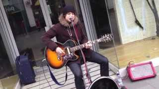 Michael Jackson&#39s Man in the mirror ( the best cover by a busker - Matthew Fearon)