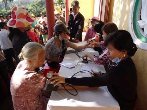 Thiện nguyện Tuệ Tâm tại xã Tam Giang, huyện Krong Nang, tỉnh Dak Lak, ngày 18 và 19.11.2011
