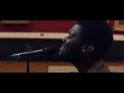 Смотреть клип Michael Kiwanuka - Solid Ground