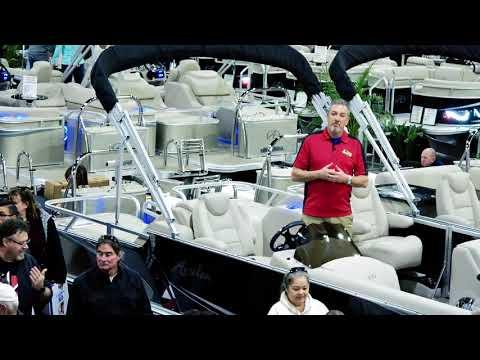 2018 Pontoon Boats VERTICALLY INTEGRATED | Avalon Luxury Pontoons
