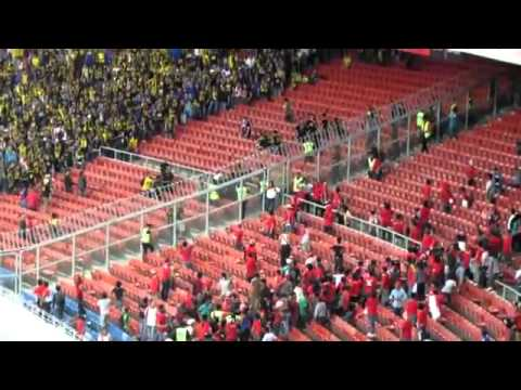 AFF Cup 2012: Indonesian Supporters vs Malaysian Supporters