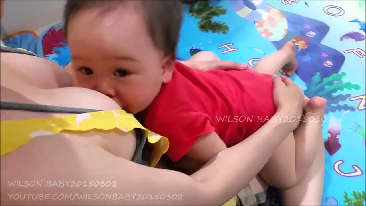 MOMMY BREASTFEEDING BABY AFTERNOON & BEFORE BEDTIME