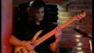 Yiotis kiourtsoglou Bass Solo live @ Half Note,Athens