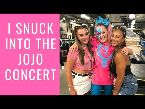I Snuck Into The JoJo Concert   Nia Sioux