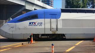 서소문건널목을 지나는 열차들(Trains passing Seosomun crossing)