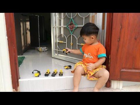 รถของเล่นของเด็กๆๆ รถแม็คโคร,รถแบคโฮ,รถขนดิน,รถตักดิน,รถแมคโค,รถบรรทุก,รถสิบล้อ,รถขุด