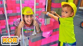2어린이 박물관과 아이들을위한 실내 놀이터에서 블라드와 니키타