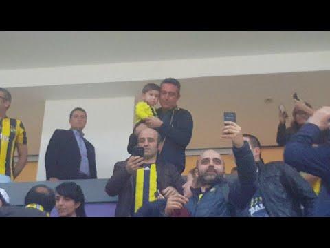 Bamberg maçına gelen başkanımız Ali Koç maç sonu tezahüratlar eşliğinde taraftarlarla kucaklaştı ❤