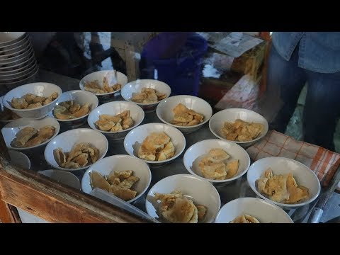 nikmatnya-bakso-cuanki-serayu-sang-legendaris,-kuliner-di-bandung-||-indonesian-street-food