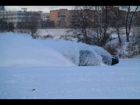 Opel Insignia Country Tourer Moscow river ice challenge