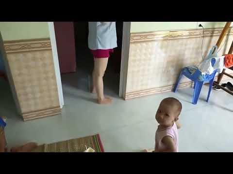 Anak Enggak Mau Nyusu Tenang, Lihat Cara Ibu Muda Cantik Ini Agar Si Dedek Mau Menyusui (hanya Untuk