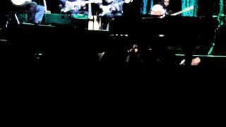 Paolo Conte - Gli Impermeabili (Live Paris-Le Grand Rex, 8 Novembre 2013)