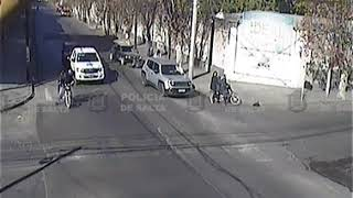 Video: Motociclista arrollado por conductor distraído