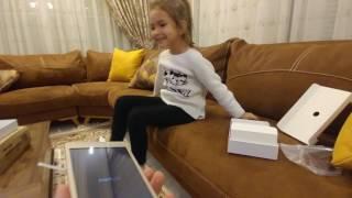 elifin yeni tableti , önce hangi oyunu yükledi ::)) eğlenceli çocuk videosu