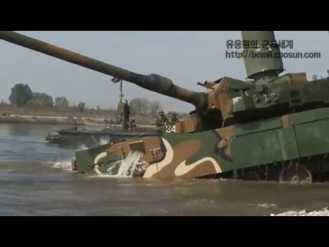 ROKA Black Panther tank are crossing a river depth of 4.1 meters using snorkel system / K2 전차 도하