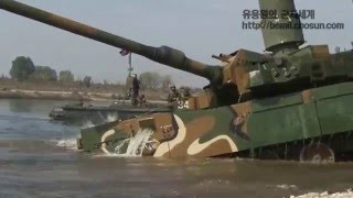 ROKA Black Panther tank are crossing a river depth of 4.1 meters using snorkel system / K2 전차 도하