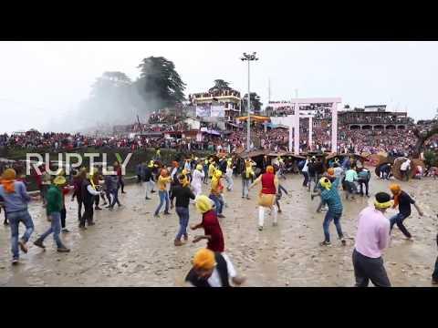 Tony Mott - India's Religious Stone Pelting Ceremony