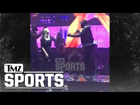 Jimmy Butler Belts Out 'Let Me Love You' At Chicago Nightclub | TMZ Sports