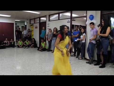 badi mushkil baba badi mushkil, dance from lajja