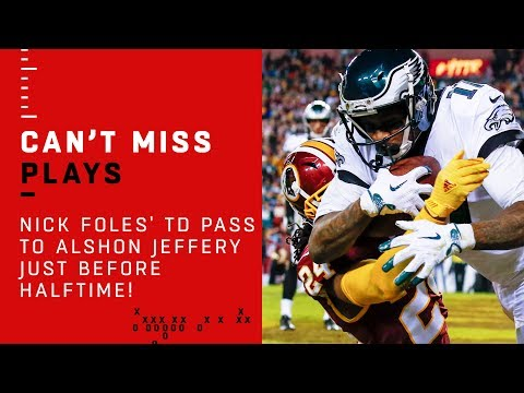 Nick Foles' TD Pass to Alshon Jeffery Just Before Halftime!