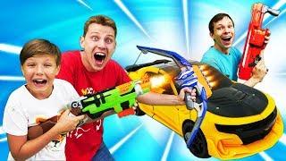 Игры Трансформеры - Бластеры Нерф и битва Роботов! – Видео с игрушками для мальчиков.