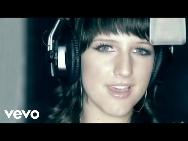 Ashlee Simpson - Pieces Of Me (Official Video)