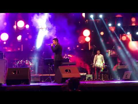 Tattad Tattad by Aditya Narayan live in Sri Lanka with amazing dance