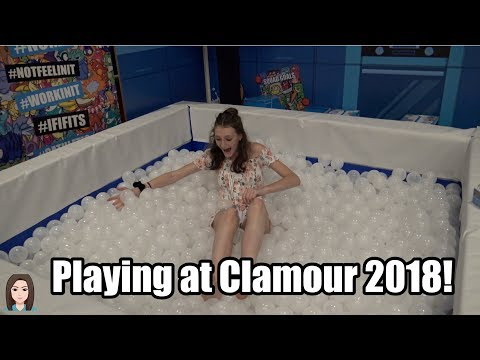 Playing With New Toys at Clamour 2018! | Kelli Maple