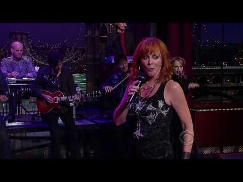 Reba McEntire - Turn on the Radio (Live on Letterman) - HD