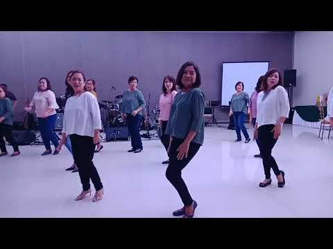 XYLs kiss me kiss me dance number