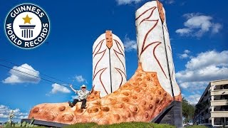 Largest cowboy boot sculpture - Guinness World Records