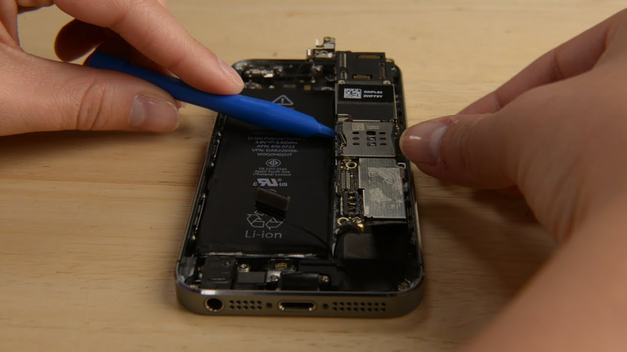 Verizon Iphone 4 In The Upper Circuit Board The Chip With The Red