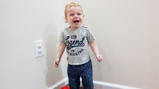 Funny Ways To Entertain A Toddler!