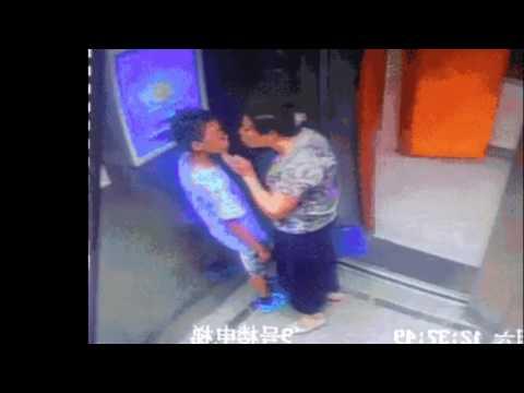 ASTAGA....!!ANAK DIPAKSA PUASIN BIRAHI NENEK DI DALAM LIFT
