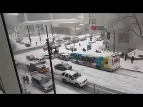Must Watch! Massive Chain Crash in Montreal First Snow 2016