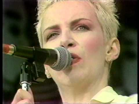 Eurythmics - Sweet Dreams [Live 1988]