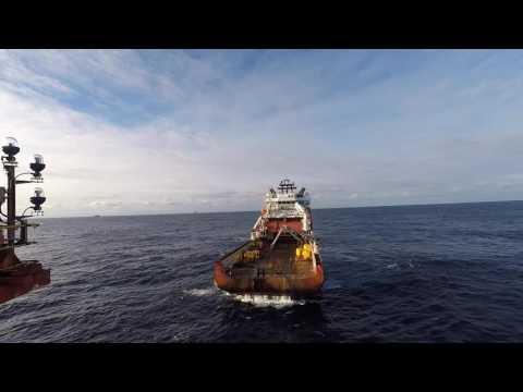 Anchor handling Skandi Vega